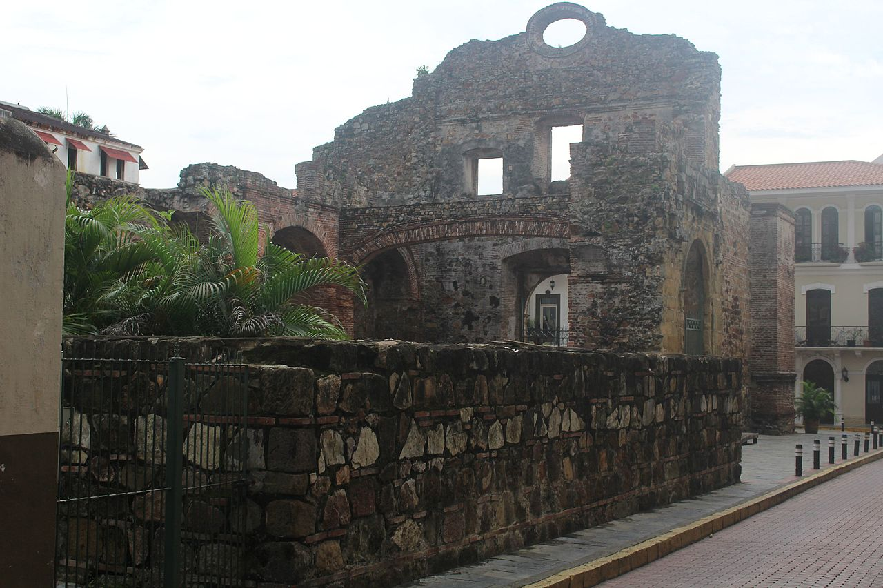 Arco Chat or Flat Arch in Casco Viejo Panama