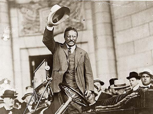 Theodore Roosevelt using a Panama hat
